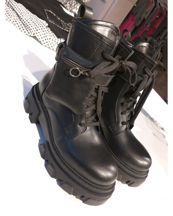 Solna Black Boots