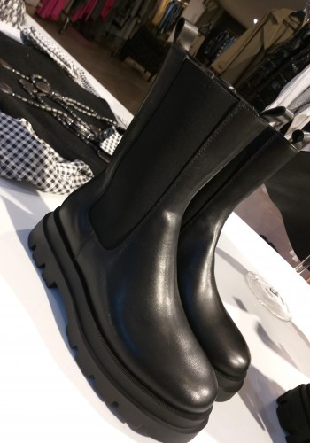 Nora Black Boots